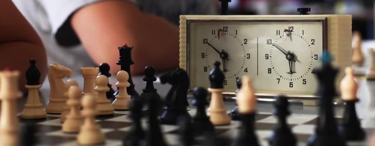 Old chess clock-106867-edited.jpeg
